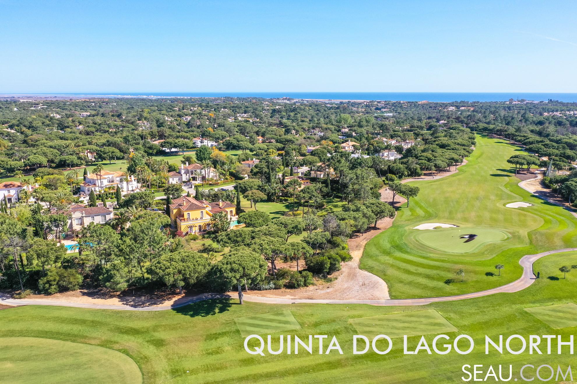 Quinta do Lago Norte é a zona compreendida entre a entrada do resort e a 4ª rotunda. É conhecida por ser a zona de moradias com maior transquilidade perto dos golfs.